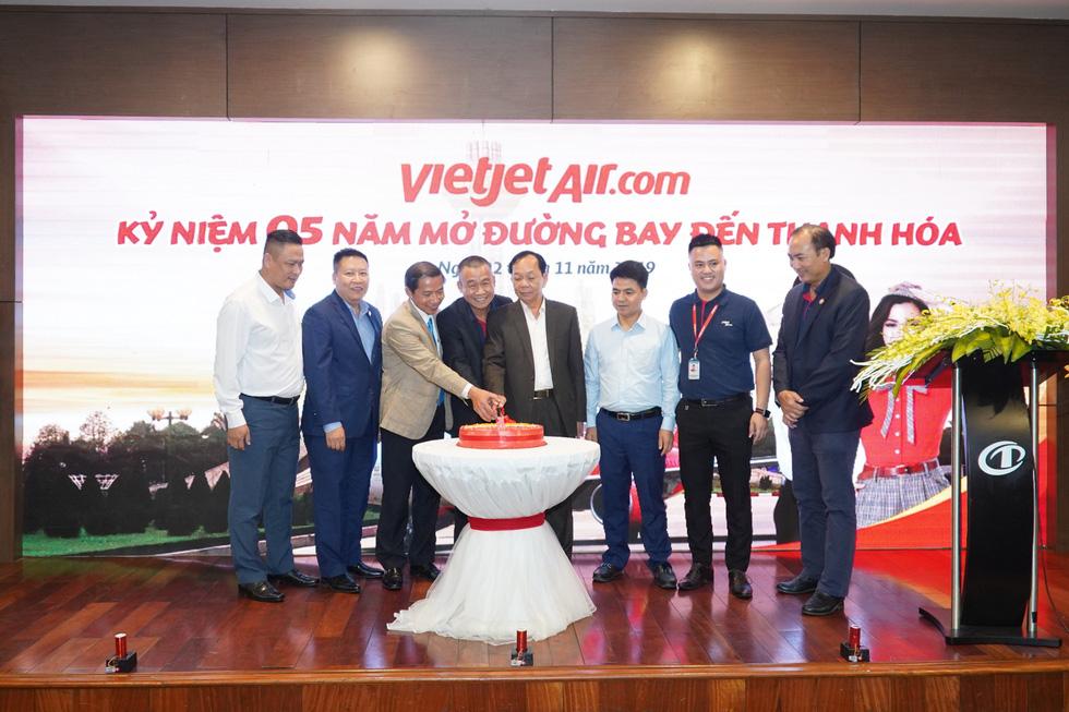 Vietjet phục vụ 2,2 triệu lượt hành khách sau 5 năm cất cánh tại Thanh Hoá - Ảnh 2.