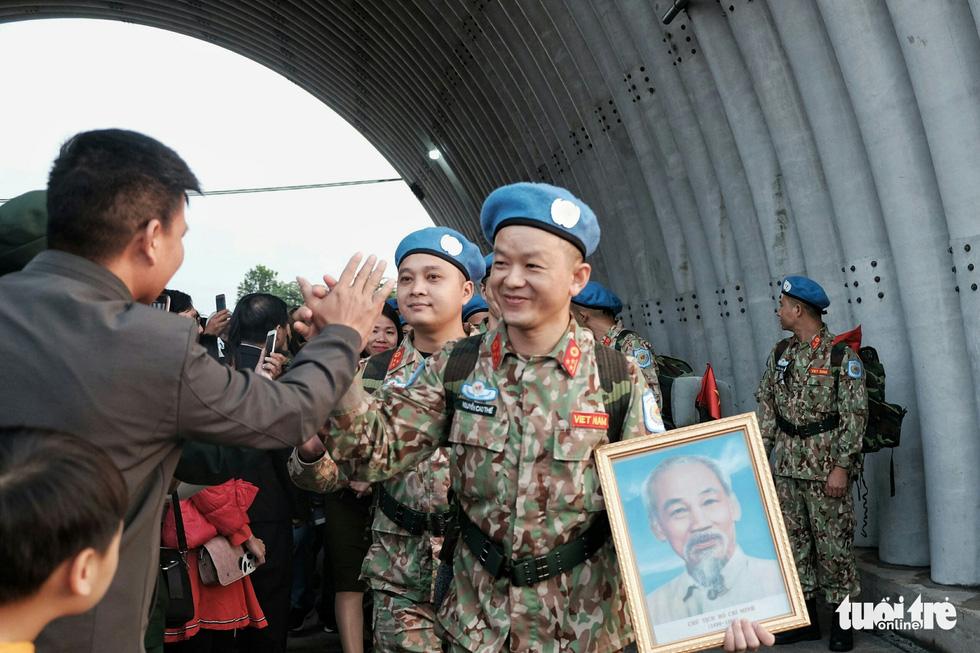 Ngựa thồ C17 Úc đưa quân nhân Việt Nam đi Nam Sudan gìn giữ hoà bình - Ảnh 9.
