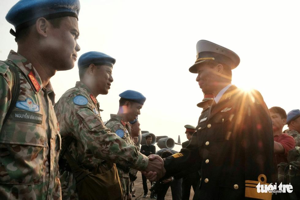 Ngựa thồ C17 Úc đưa quân nhân Việt Nam đi Nam Sudan gìn giữ hoà bình - Ảnh 12.