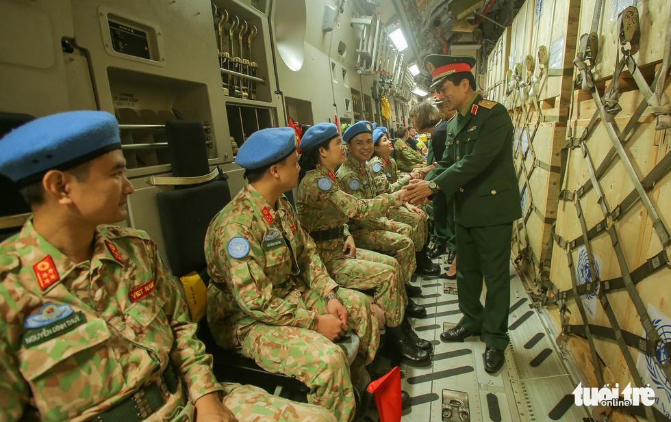 Ngựa thồ C17 Úc đưa quân nhân Việt Nam đi Nam Sudan gìn giữ hoà bình - Ảnh 17.