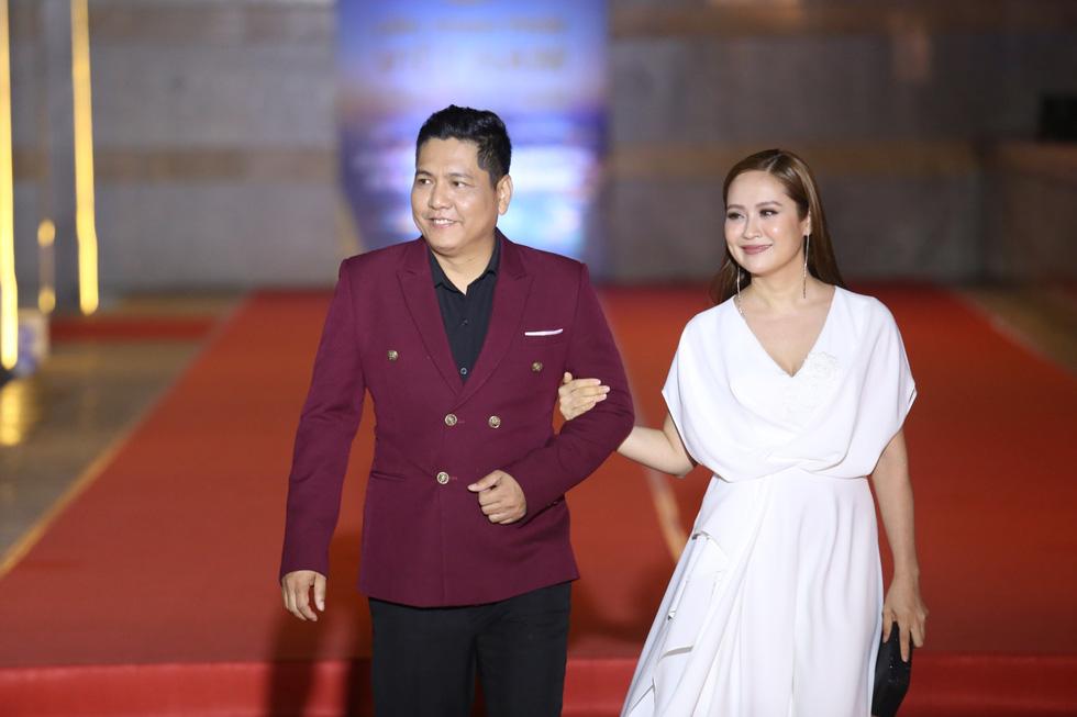 Ngô Thanh Vân, Liên Bỉnh Phát cùng dàn sao trên thảm đỏ Liên hoan phim Việt Nam - Ảnh 7.
