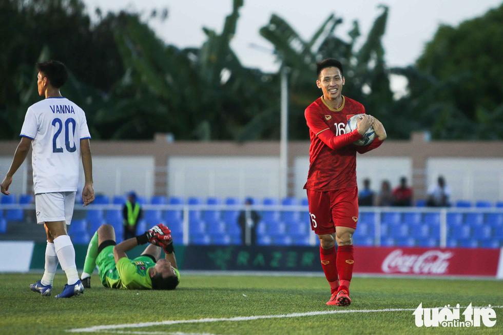 Chùm ảnh U22 Lào thua đậm trước U22 Việt Nam trong nắng chiều Binan - Ảnh 11.