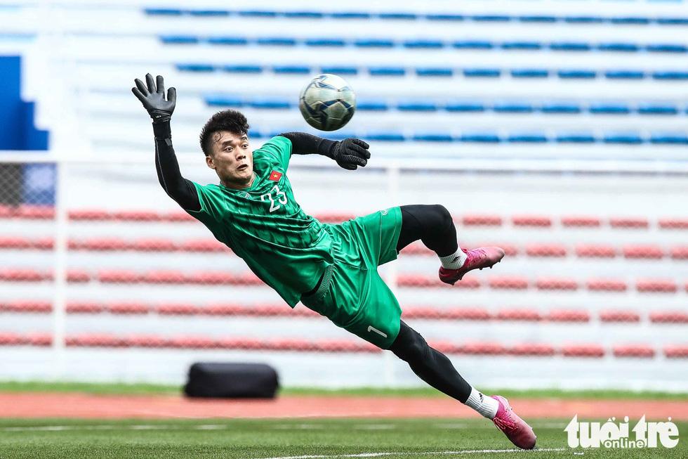 HLV Park dạy học trò kèm người trước trận gặp U22 Indonesia - Ảnh 3.