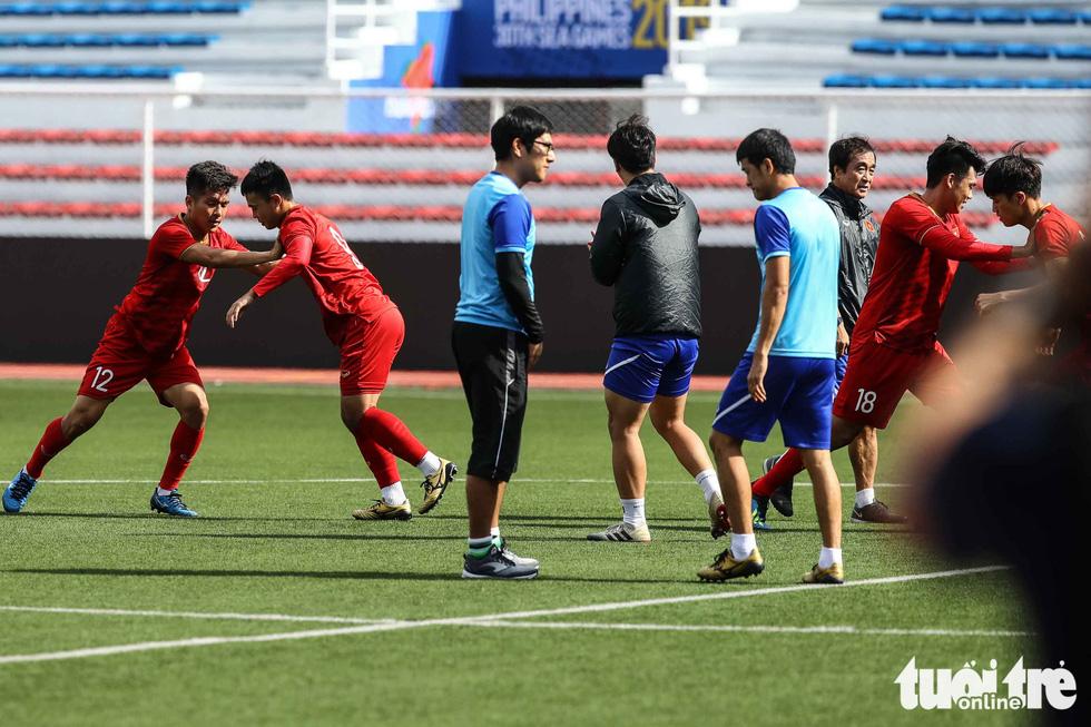 HLV Park dạy học trò kèm người trước trận gặp U22 Indonesia - Ảnh 5.