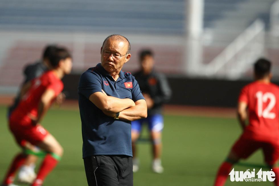 HLV Park dạy học trò kèm người trước trận gặp U22 Indonesia - Ảnh 8.