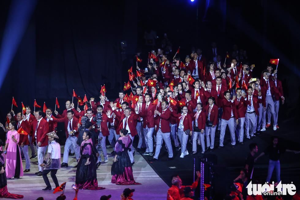 Hoa hậu châu Á - Thái Bình Dương diễu hành cùng đoàn thể thao Việt Nam - Ảnh 11.
