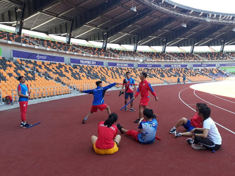 Sân thi đấu điền kinh đẹp long lanh sẵn sàng cho SEA Games 30 - Ảnh 5.