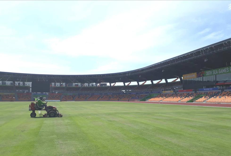 Sân thi đấu điền kinh đẹp long lanh sẵn sàng cho SEA Games 30 - Ảnh 10.