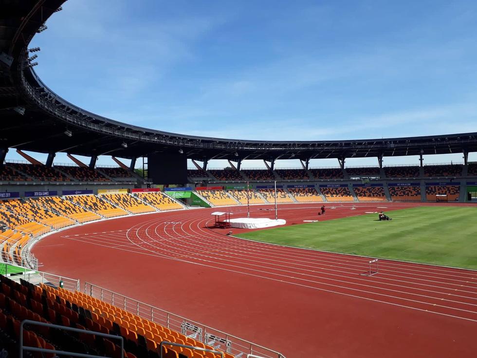 Sân thi đấu điền kinh đẹp long lanh sẵn sàng cho SEA Games 30 - Ảnh 2.