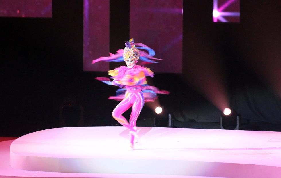 Hoa hậu châu Á - Thái Bình Dương diễu hành cùng đoàn thể thao Việt Nam - Ảnh 5.