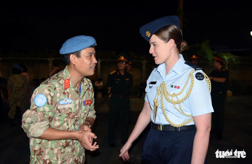 Chiến sĩ mũ nồi xanh về nước sau 1 năm làm nhiệm vụ ở Nam Sudan - Ảnh 3.