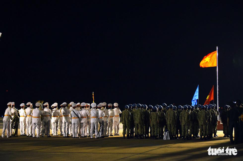 Chiến sĩ mũ nồi xanh về nước sau 1 năm làm nhiệm vụ ở Nam Sudan - Ảnh 7.