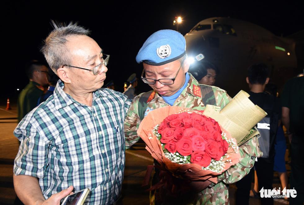 Chiến sĩ mũ nồi xanh về nước sau 1 năm làm nhiệm vụ ở Nam Sudan - Ảnh 10.