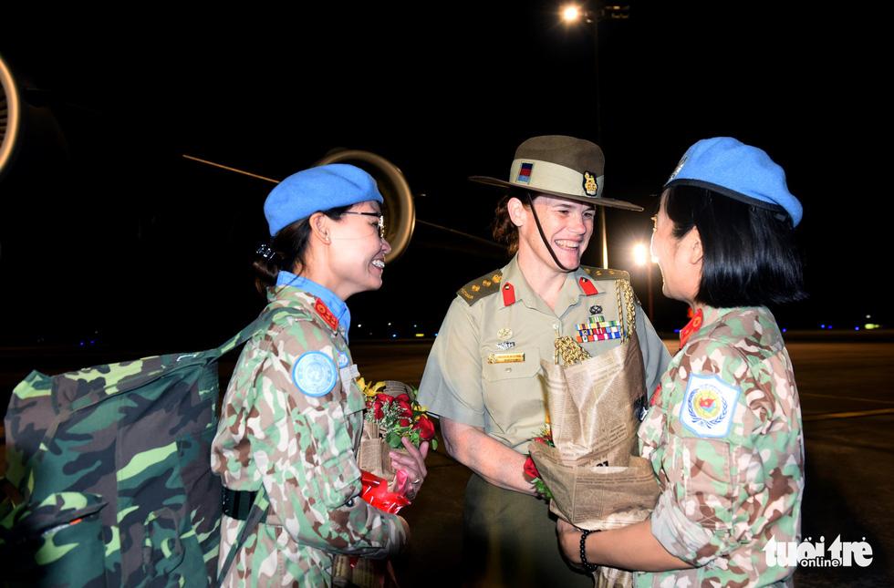 Chiến sĩ mũ nồi xanh về nước sau 1 năm làm nhiệm vụ ở Nam Sudan - Ảnh 13.