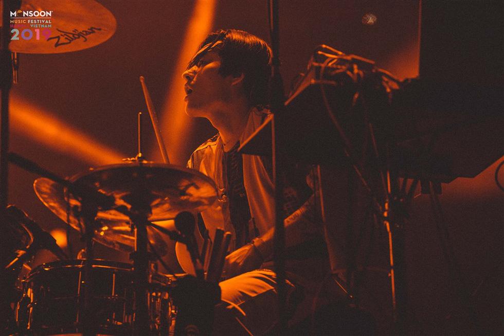 Phút cuối Monsoon: Khán giả níu chân ban nhạc Hàn Quốc Hyukoh - Ảnh 9.