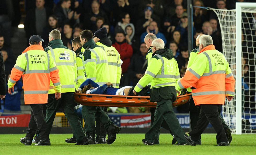Son Heung Min khóc nức nở sau cú vào bóng khiến cầu thủ Everton gãy chân - Ảnh 11.