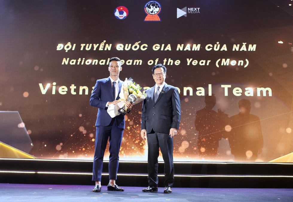 HLV Park Hang Seo, Quang Hải thắng Giải HLV và cầu thủ của năm tại AFF Awards 2019 - Ảnh 11.
