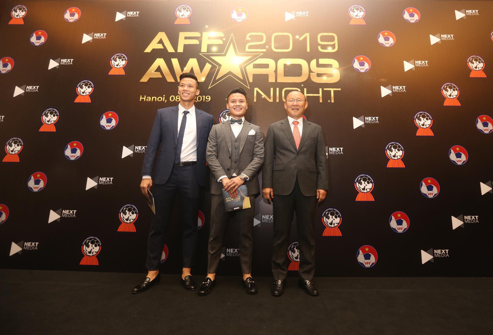 HLV Park Hang Seo, Quang Hải thắng Giải HLV và cầu thủ của năm tại AFF Awards 2019 - Ảnh 19.