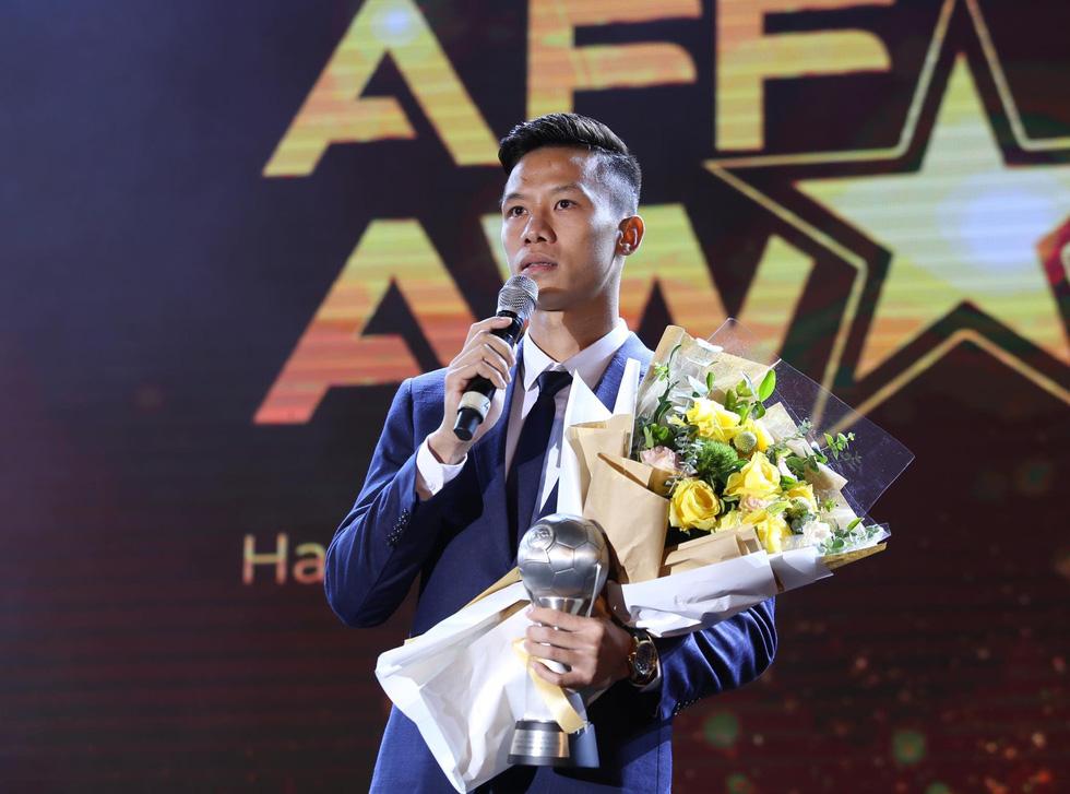 HLV Park Hang Seo, Quang Hải thắng Giải HLV và cầu thủ của năm tại AFF Awards 2019 - Ảnh 12.
