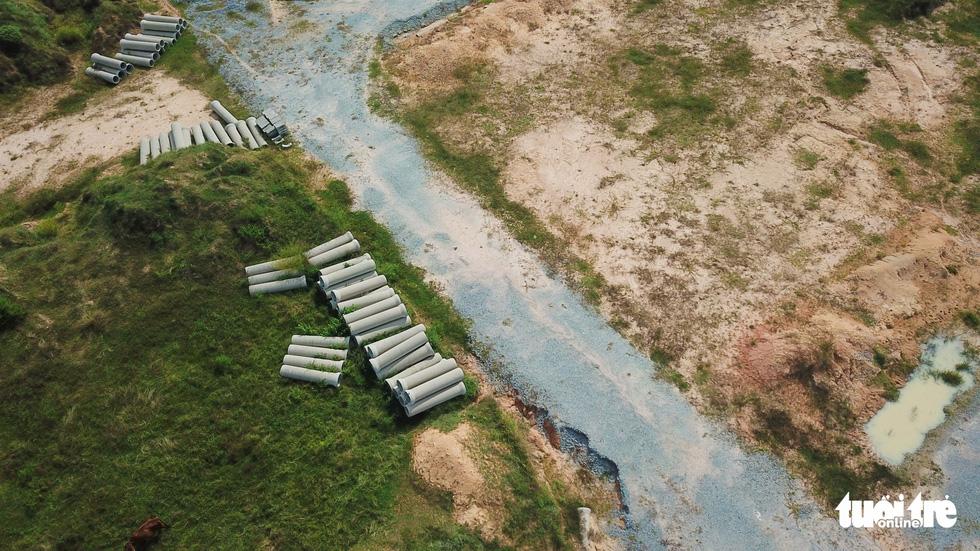 Cận cảnh gần 200ha đất vàng vướng lùm xùm tại Bình Dương - Ảnh 5.