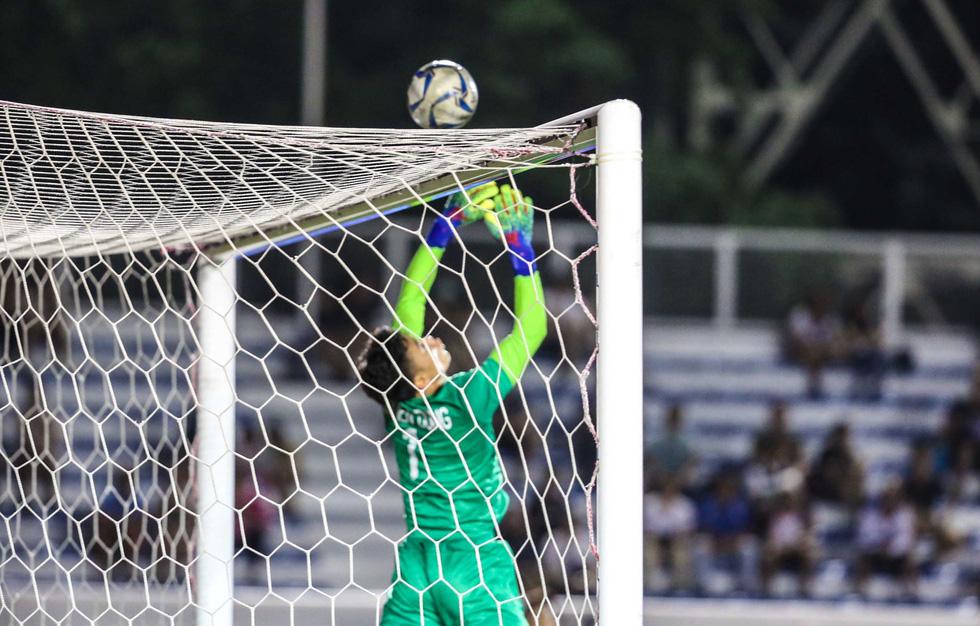 Những tình huống nghẹt thở trong trận thắng của U22 Việt Nam trước U22 Indonesia - Ảnh 5.
