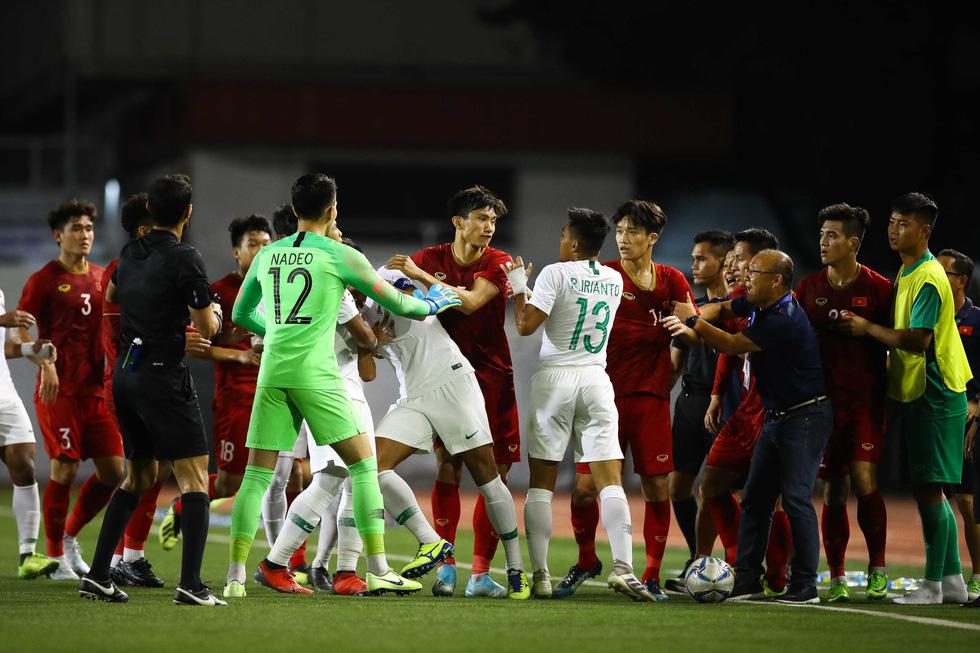 Những tình huống nghẹt thở trong trận thắng của U22 Việt Nam trước U22 Indonesia - Ảnh 8.