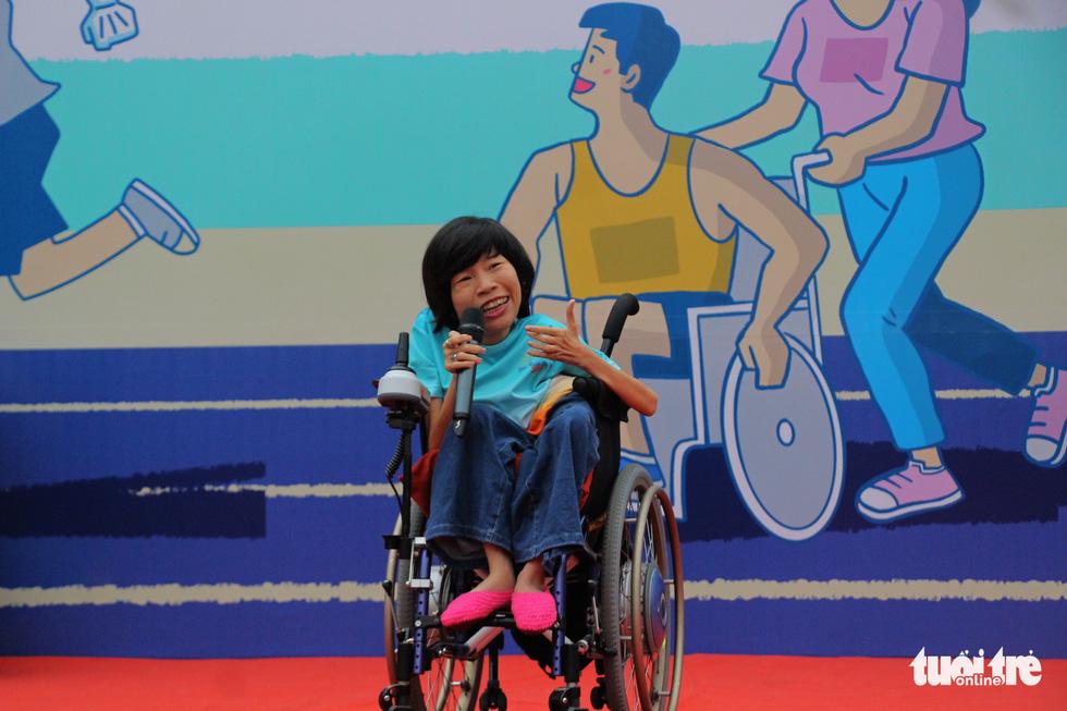 Ghép đôi chạy bộ với người khuyết tật để cùng về đích - Ảnh 2.