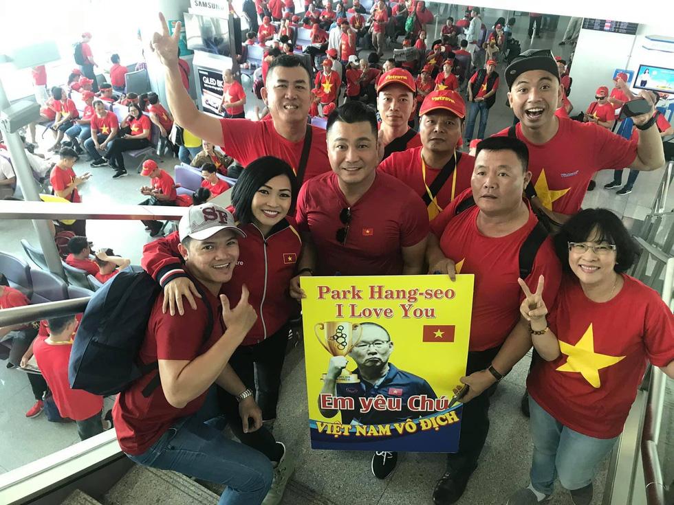 Đông Nhi - Ông Cao Thắng, Hồ Ngọc Hà... nóng với chung kết SEA games - Ảnh 11.