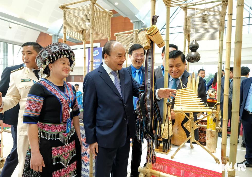 Thủ tướng Nguyễn Xuân Phúc: Sau chiến thắng bóng đá là ý chí cả dân tộc - Ảnh 8.