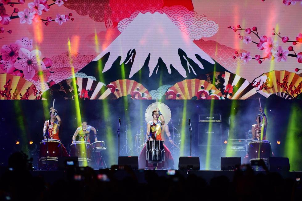 Lễ hội âm nhạc quốc tế TP.HCM khai màn hứng khởi và hấp dẫn  - Ảnh 4.