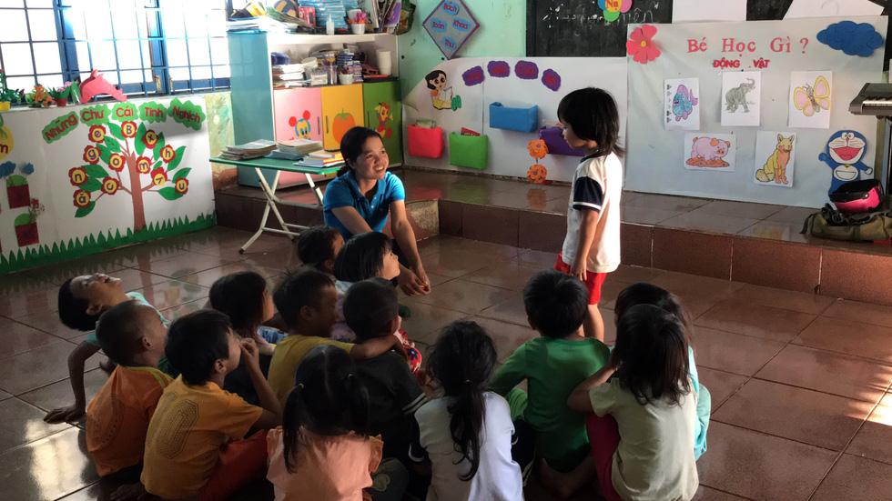 Sợ trò mất lớp đi lang thang, 8 cô giáo tình nguyện xin dạy không lương - Ảnh 11.
