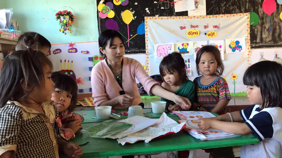 Sợ trò mất lớp đi lang thang, 8 cô giáo tình nguyện xin dạy không lương - Ảnh 10.
