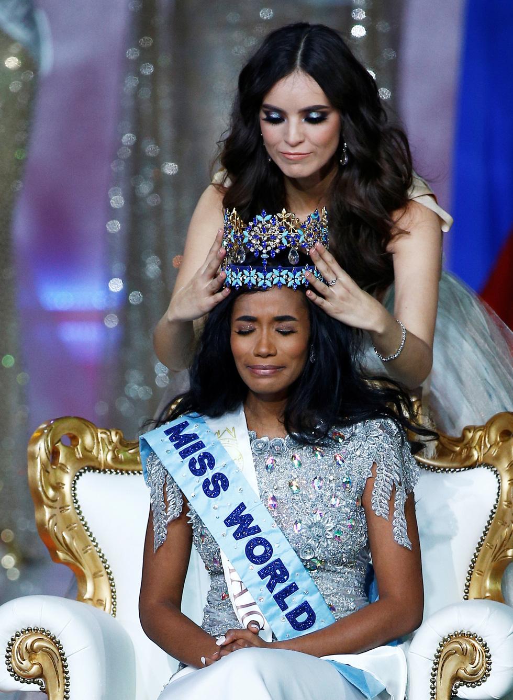 Miss World 2019 Toni-Ann Singh: Cô gái tài năng hết mực yêu thương mẹ - Ảnh 3.