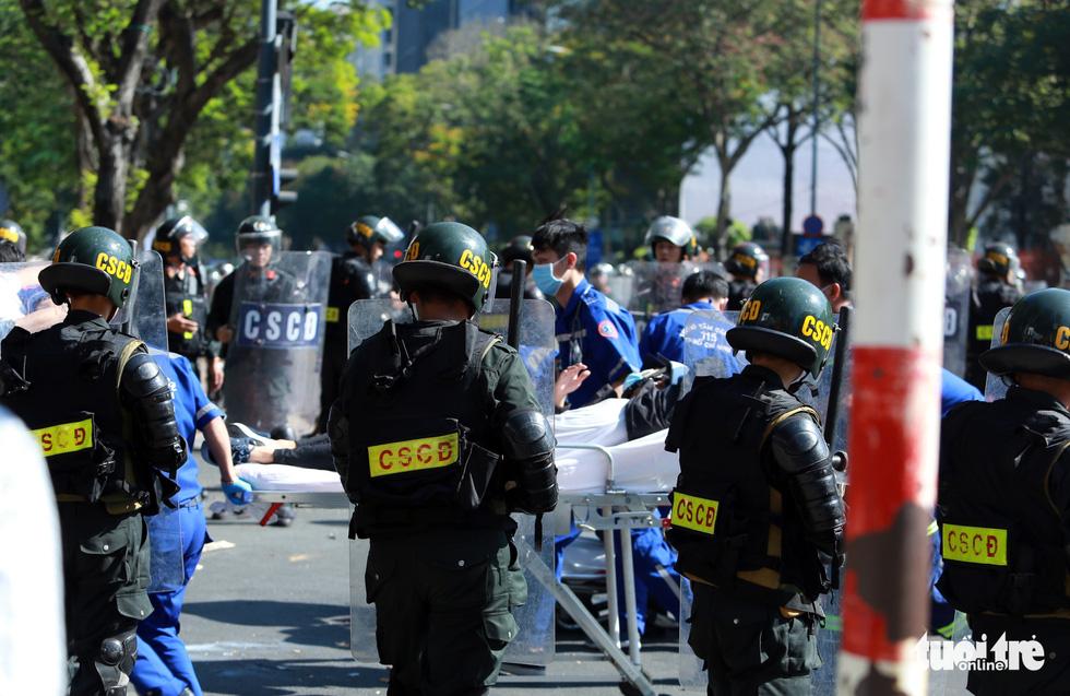 TP.HCM diễn tập xử lý các tình huống tụ tập biểu tình, bắt cóc, khủng bố - Ảnh 7.