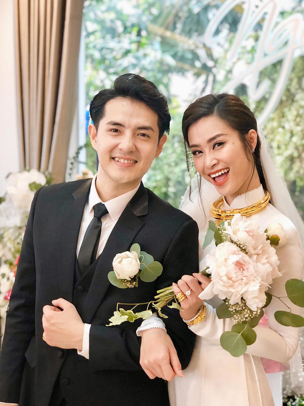 Showbiz Việt 2019: Ngập tình yêu và cảm hứng, nhưng ứng xử vẫn đáng báo động - Ảnh 5.