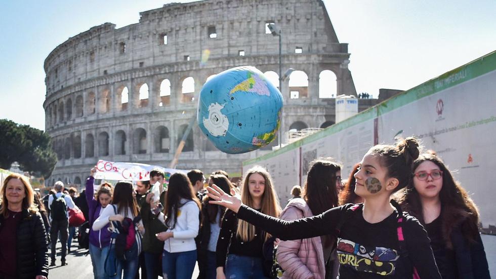 Những cú hích và cú sốc ngành giáo dục thế giới năm 2019 - Ảnh 8.