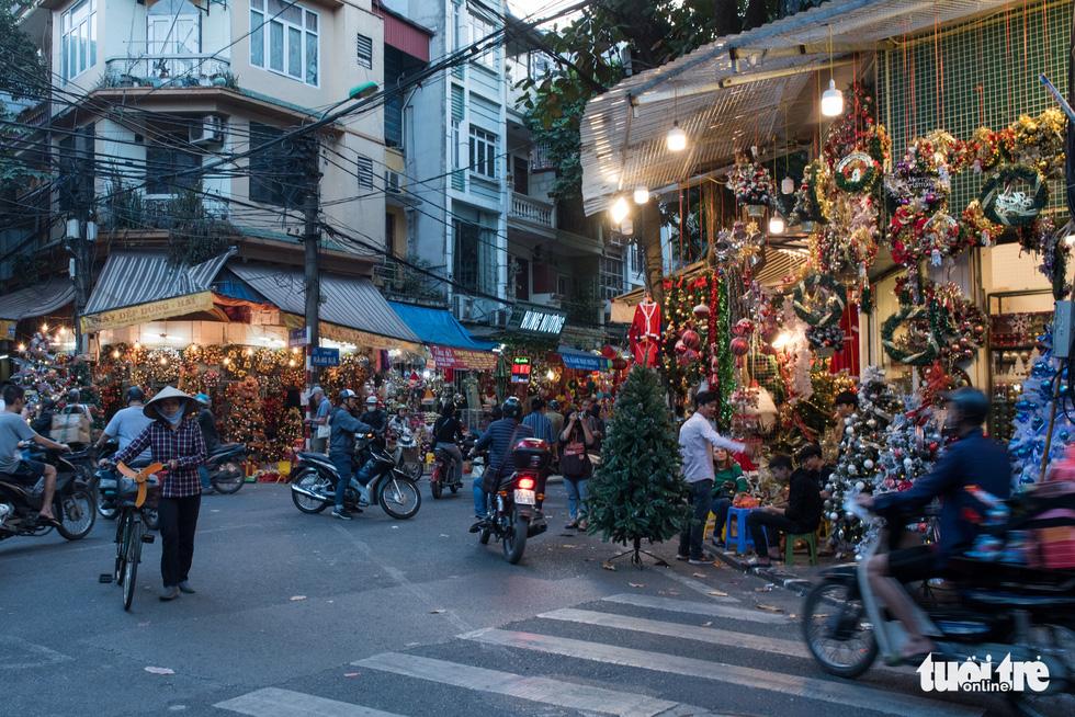 Chơi tới mùa Noel: thông 18-30 triệu vẫn hút khách - Ảnh 12.