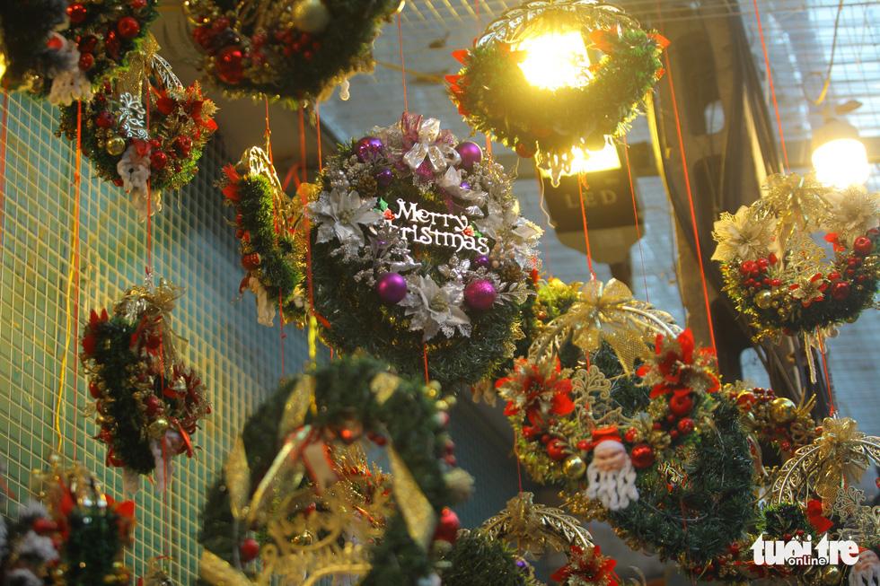 Chơi tới mùa Noel: thông 18-30 triệu vẫn hút khách - Ảnh 11.