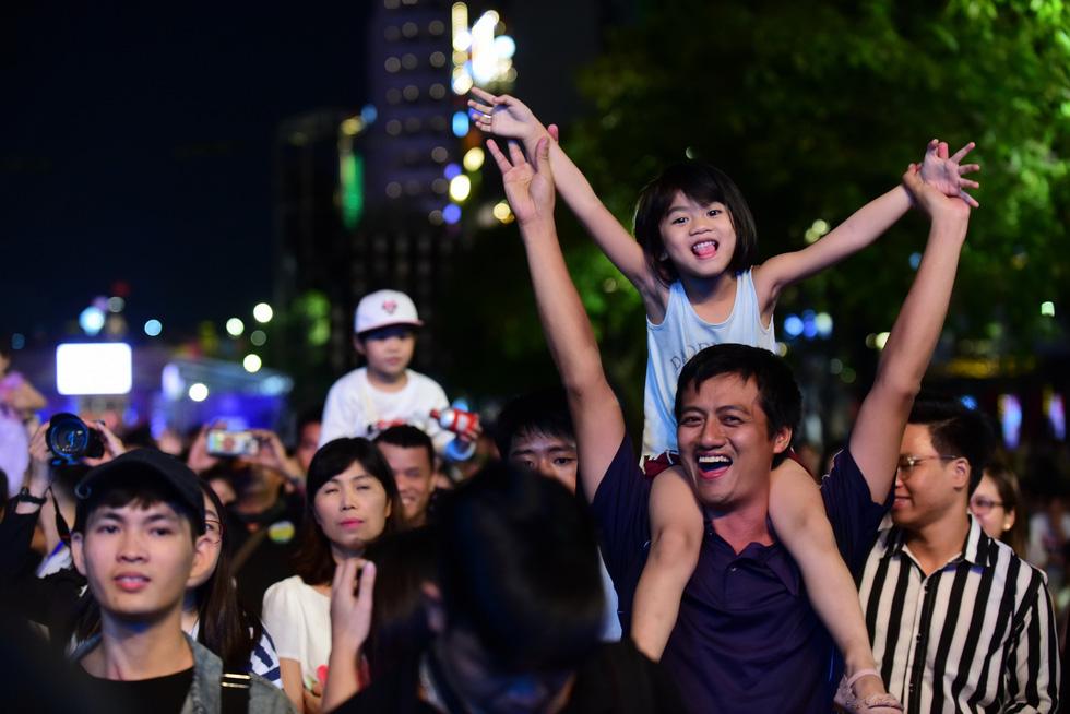 200 nghệ sĩ khắp thế giới, 20.000 khán giả: Hò dô xứng danh lễ hội âm nhạc quốc tế - Ảnh 5.