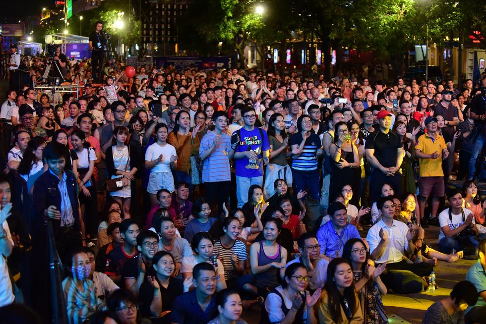 200 nghệ sĩ khắp thế giới, 20.000 khán giả: Hò dô xứng danh lễ hội âm nhạc quốc tế - Ảnh 8.