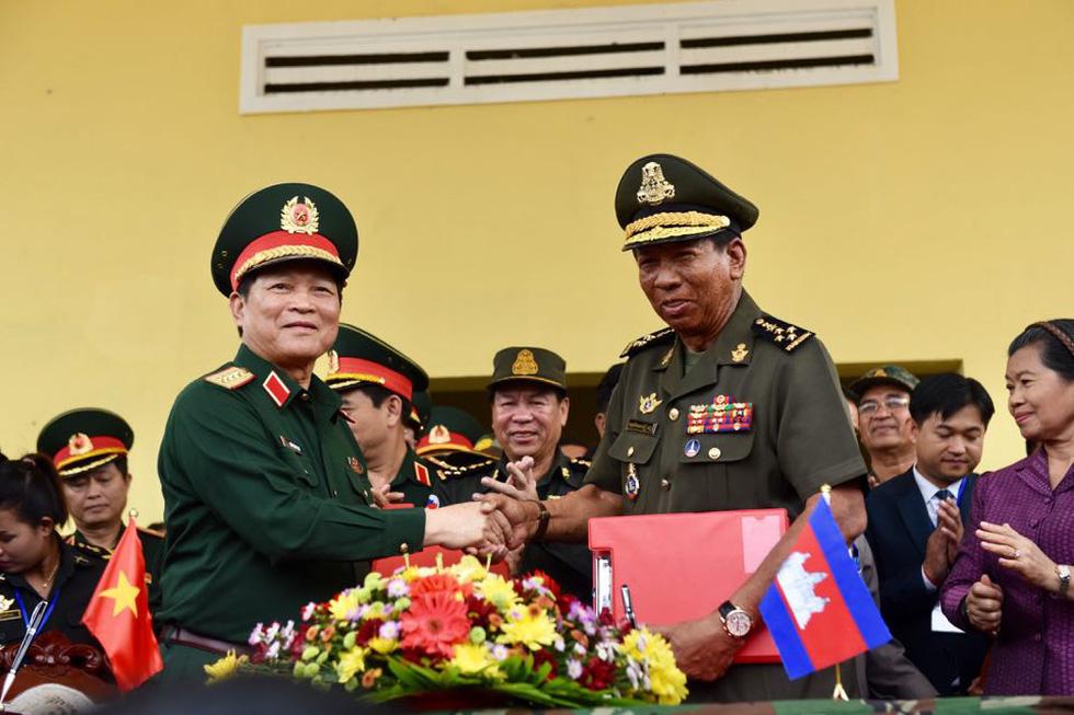 2.000 binh sĩ và người dân Việt Nam và Campuchia diễn tập cứu nạn tại biên giới - Ảnh 13.