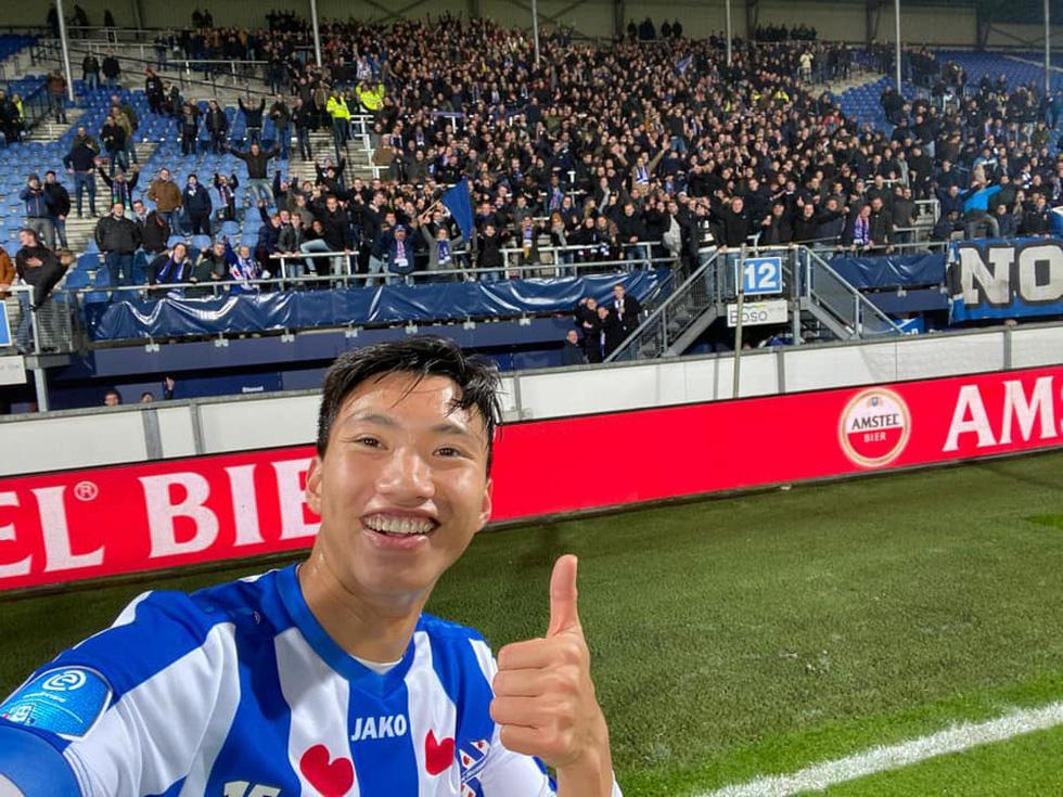 Văn Hậu hòa niềm vui cùng CĐV Hà Lan sau chiến thắng của Heerenveen - Ảnh 6.