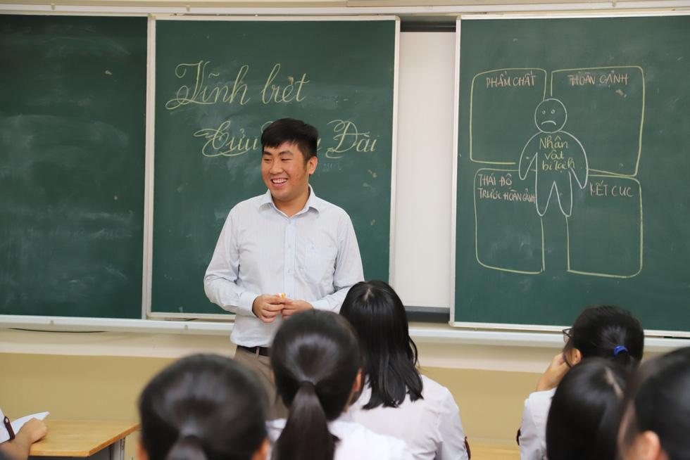 Thầy giáo xin bài văn của học trò: Không dò bài, trả bài mỗi ngày - Ảnh 2.