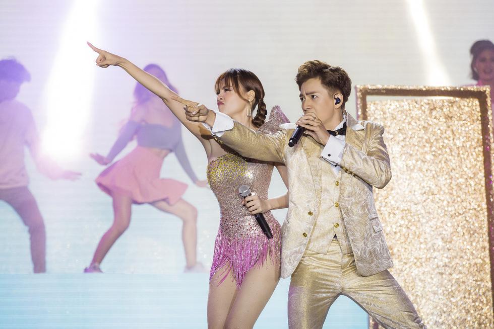 Ngô Kiến Huy vỡ òa với 10.000 khán giả trong live show Truyền thái y - Ảnh 4.