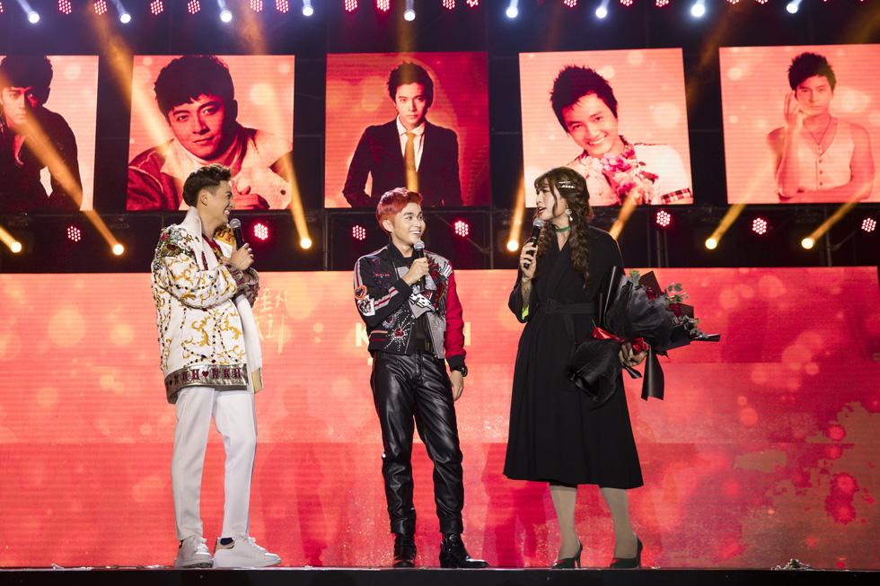 Ngô Kiến Huy vỡ òa với 10.000 khán giả trong live show Truyền thái y - Ảnh 8.