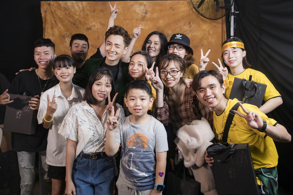 Ngô Kiến Huy vỡ òa với 10.000 khán giả trong live show Truyền thái y - Ảnh 9.