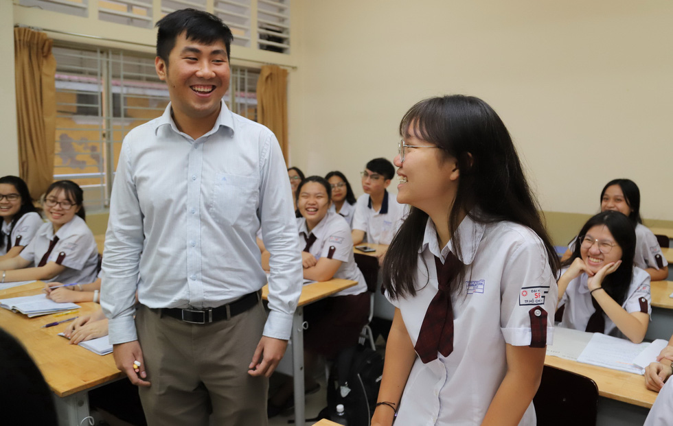 Ngưỡng mộ thầy giáo trẻ Trần Lê Duy - Ảnh 2.