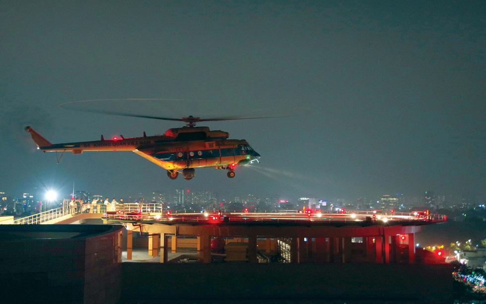Bước tiến mới - cấp cứu bằng trực thăng - Ảnh 2.