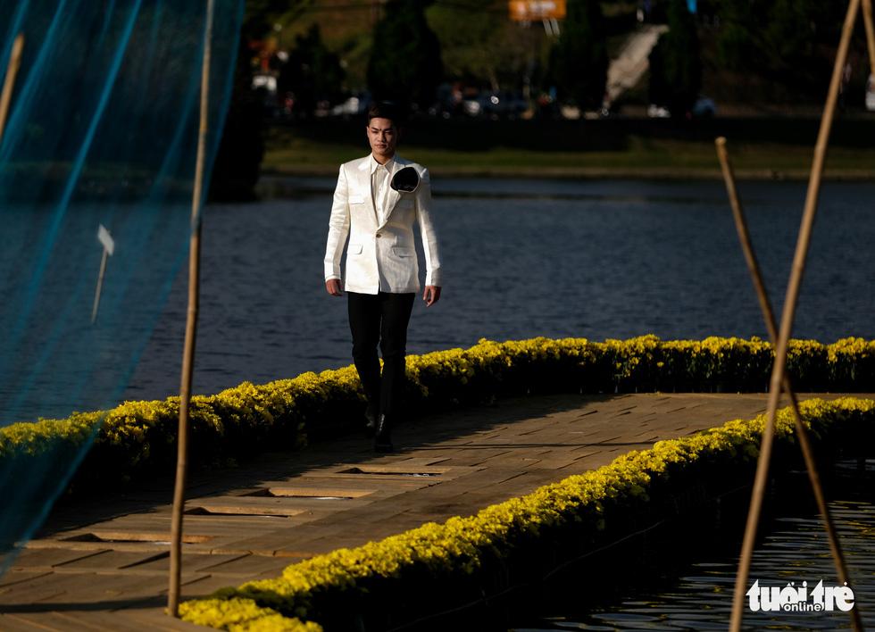 Minh Hạnh viết tình ca tơ lụa Bảo Lộc trên hồ Xuân Hương - Ảnh 5.