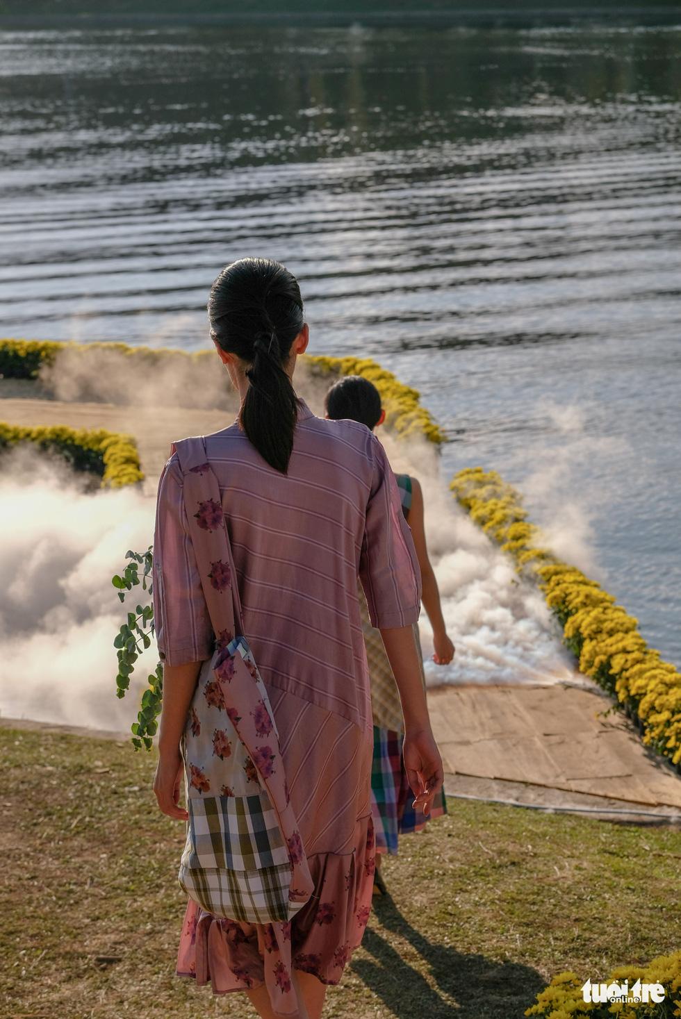 Minh Hạnh viết tình ca tơ lụa Bảo Lộc trên hồ Xuân Hương - Ảnh 8.